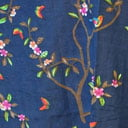 Mørk blå med blomster